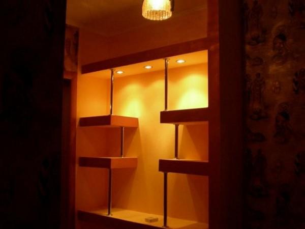 полки настенные из гипсокартона с подсветкой фото