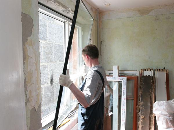 поэтапное строительство дома установка окон