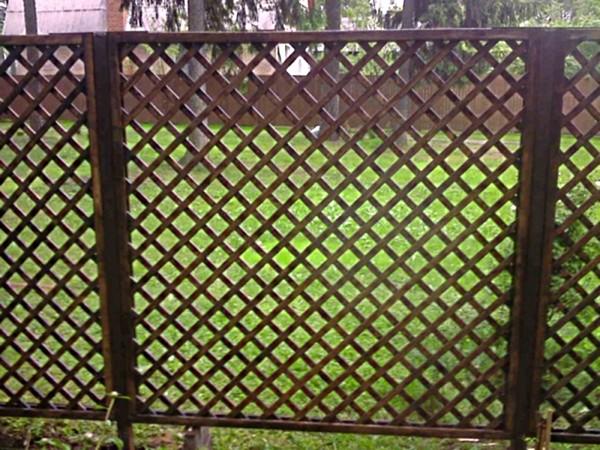 деревянный забор решетка фото