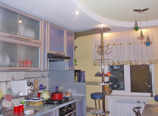 гипсокартонный потолок на кухне фото