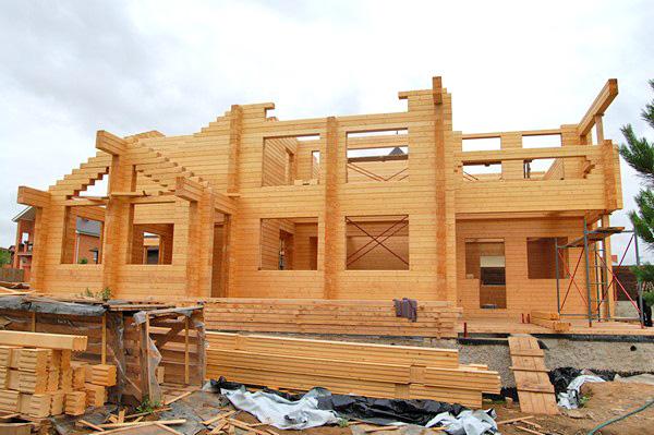 строительство дома из клееного бруса фото
