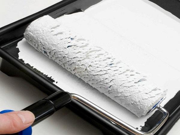 как покрасить потолок необходимые инструменты