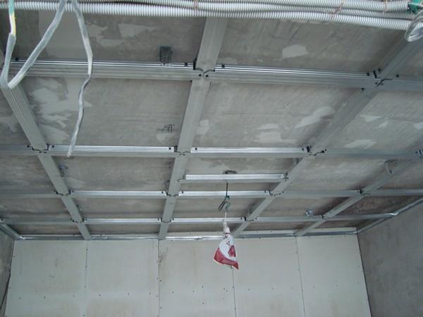 как сделать шумоизоляцию на потолке фото