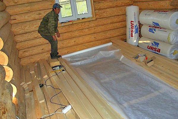 утепление пола в деревянном доме фото