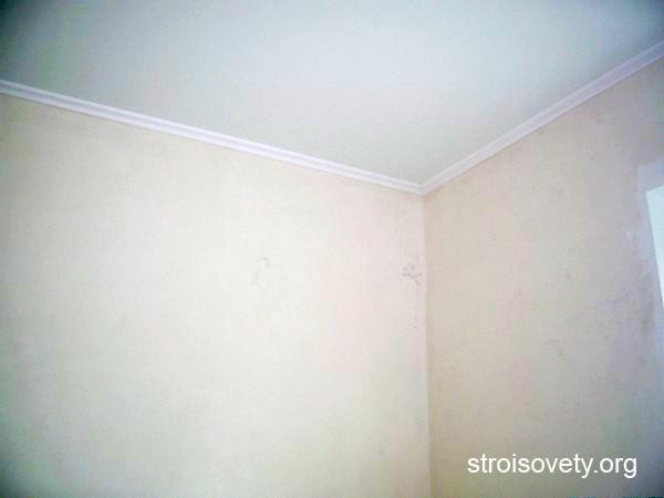 потолочный багет для натяжных потолков фото