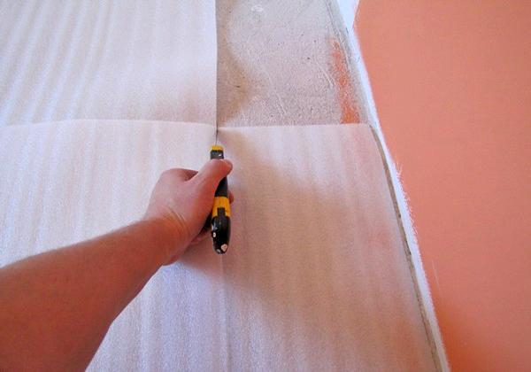 строительный нож для резки подложки под ламинат фото