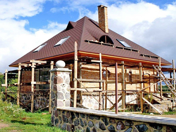 монтаж шатровой крыши