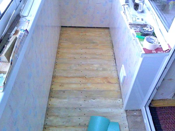 как сделать деревянный настил на лоджии