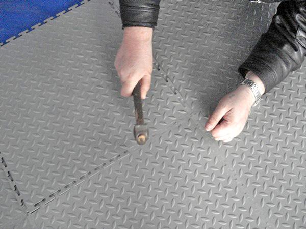 резиновые полы для гаража фото