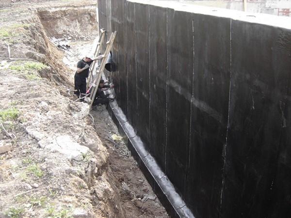 гидроизоляция стен своими руками фото