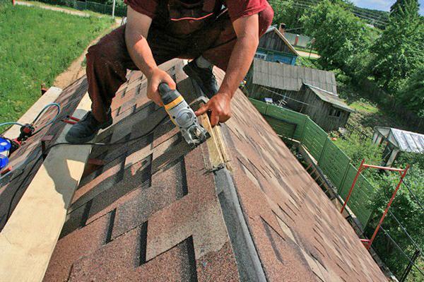 установка конька на крышу своими руками фото