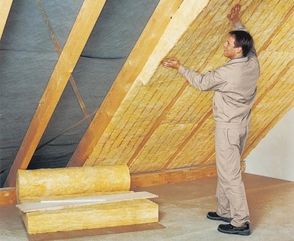 чем утеплить крышу дома