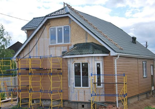 чем дешевле отделать фасад дома: сайдинг фото