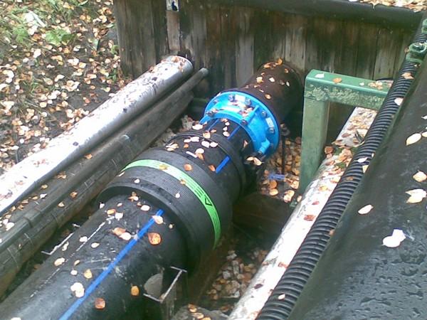 напорный коллектор канализации фото