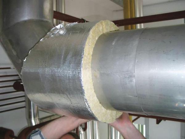 теплоизоляция труб монтажной пеной фото