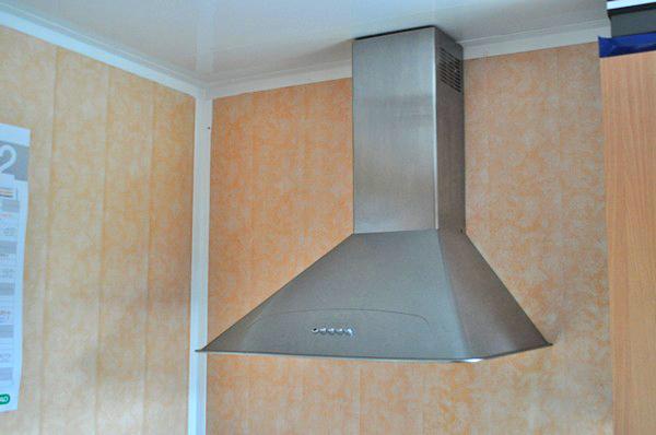 отделка кухни пластиковыми панелями фото