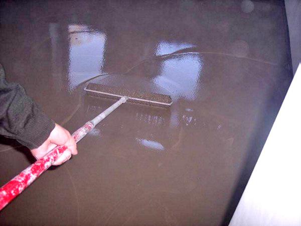 выравнивание бетонного пола под линолеум фото