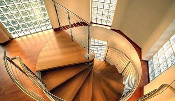 как сделать винтовую деревянную лестницу фото