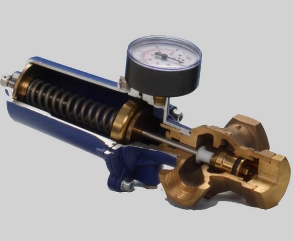 принцип работы редуктора давления воды фото