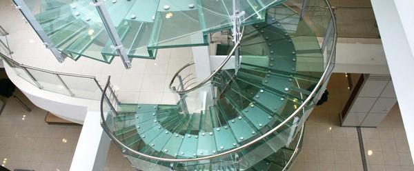 Стеклянные винтовые лестницы для дома фото