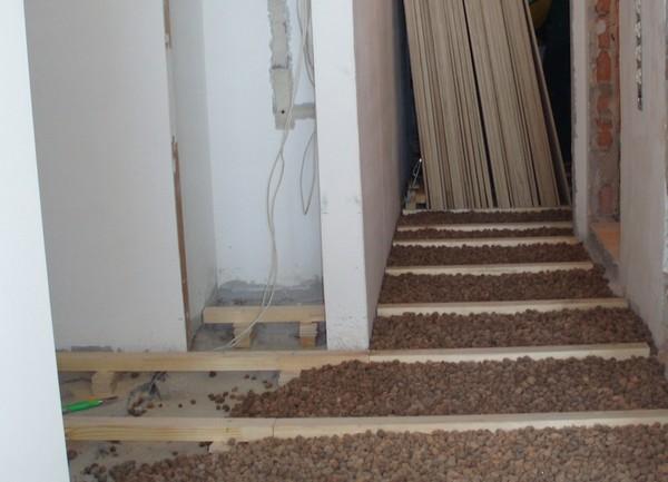 утепление деревянного пола керамзитом фото
