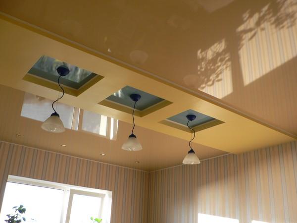 варианты отделки потолка в комнате фото
