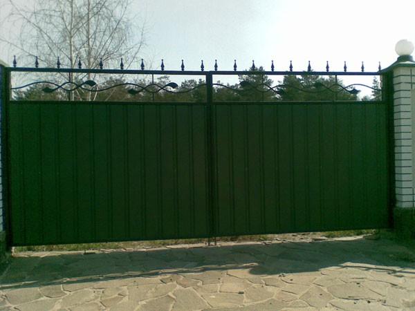 ворота из профнастила распашные фото
