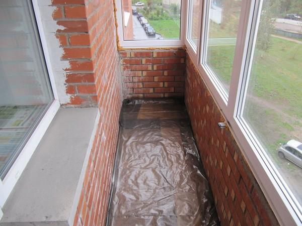 стяжка пола на балконе фото
