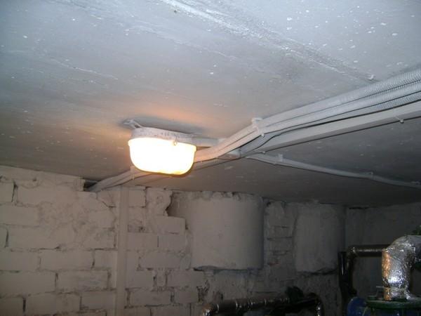 монтаж освещения в гараже фото