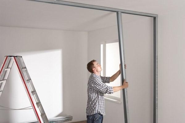 как построить перегородку из гипсокартона с дверью фото