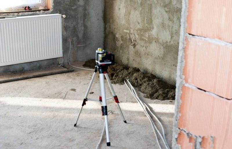 как выставить маяки для стяжки пола фото