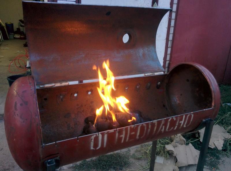 мангал коптильня барбекю из газовых баллонов фото
