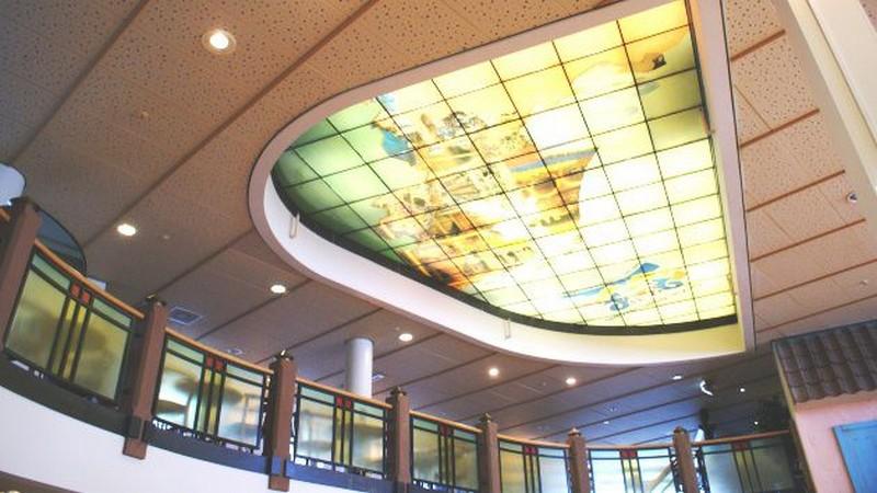 крепление стеклянных потолков фото