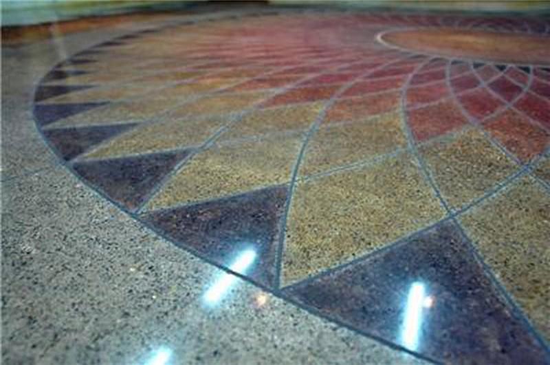 пол из мозаичной крошки фото