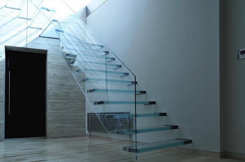 стеклянные перила для лестниц фото