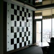 Стеновые стеклянные панели: возможности дизайна интерьера